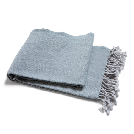 Merino woolen scarf with fringes